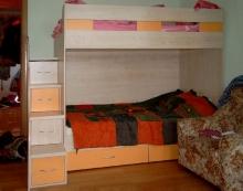 От производителя кровать двухъярусная со ступеньками, Кровать двухъярусная со ступеньками в Киеве на заказ