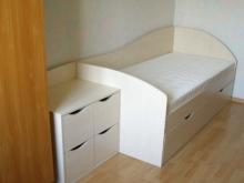 Заказать кровать детскую односпальную с ящиками, Кроватка детская односпальная с ящиками фото