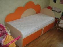 Кровать с фигурной спинкой купить, Кровать с фигурной спинкой фото