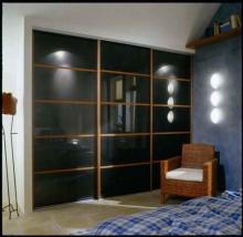 Шкаф-купе 3-х дверный, фасады стекло Лакобель на заказ; Продажа шкафов-купе 3-х дверных, фасады стекло Лакобель