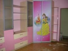 Угловой шкаф-купе в комнату девочки, шкаф купе для девочки