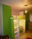 Кровать-чердак с одежными шкафами, Кровать-чердак со столом
